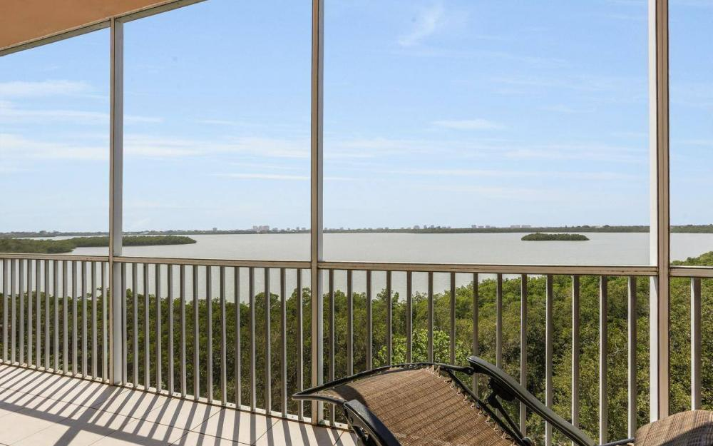 269 Vintage Bay Dr #25, Marco Island - Condo For Sale 403021153
