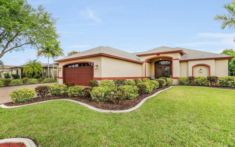 619 SE 19th St, Cape Coral - House For Sale 312146722
