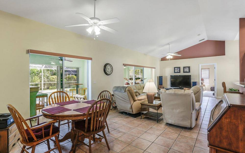 619 SE 19th St, Cape Coral - House For Sale 455571552