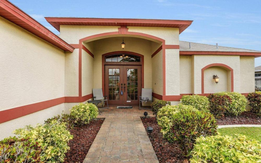 619 SE 19th St, Cape Coral - House For Sale 1068891313