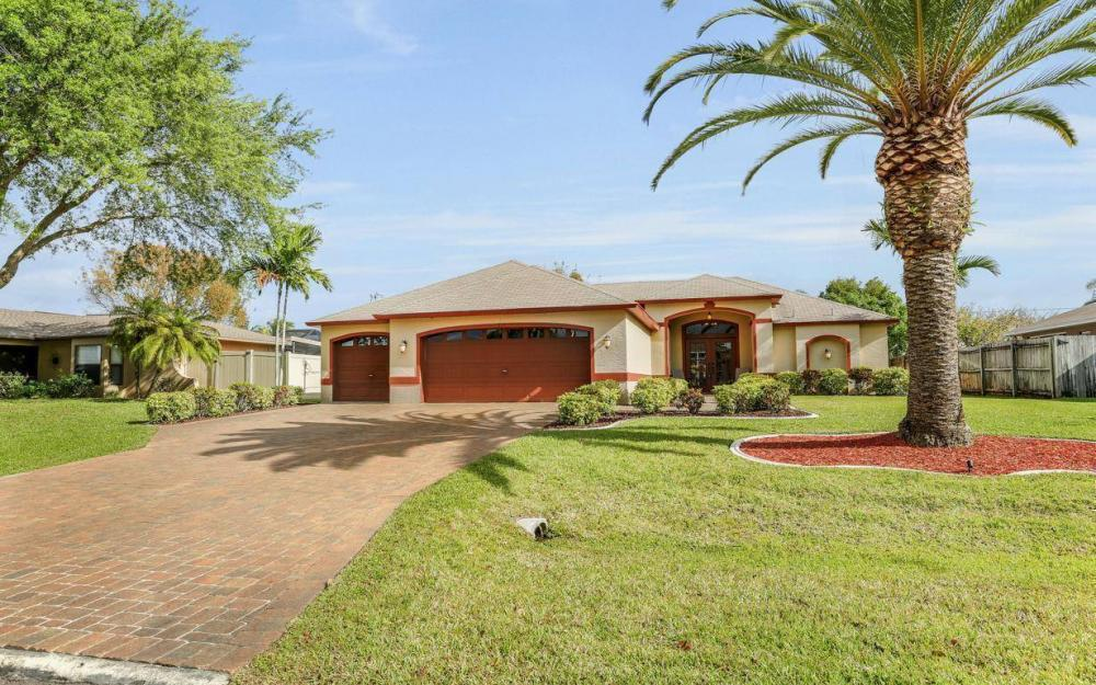 619 SE 19th St, Cape Coral - House For Sale 1179816975