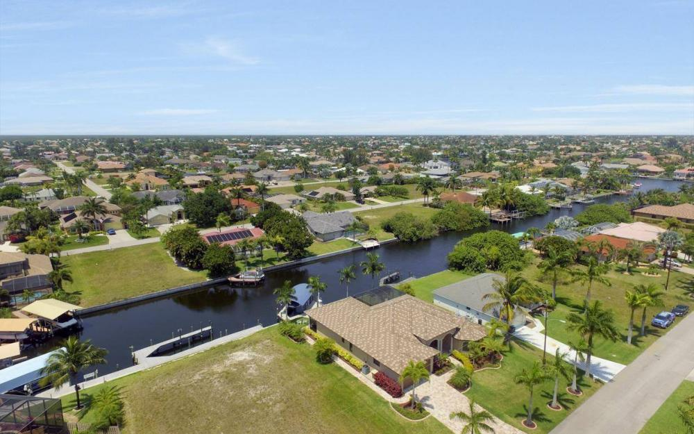 5418 SW 21st PL, Cape Coral - House For Sale 88971176
