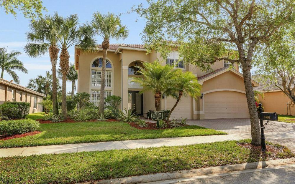 1426 King Sago Ct, Naples - House For Sale 482866899