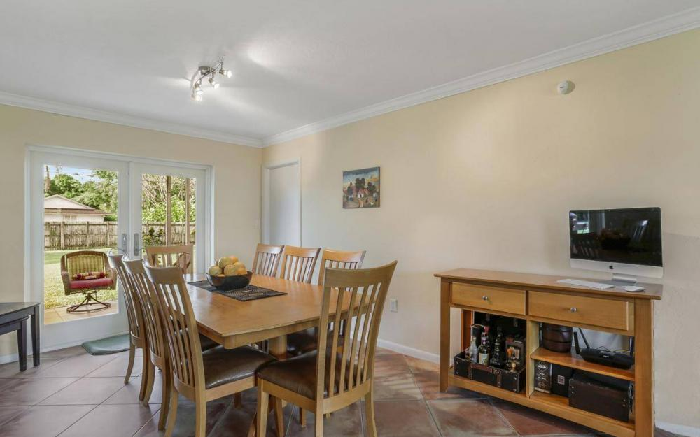 142 Willoughby Dr, Naples - House For Sale 330557507