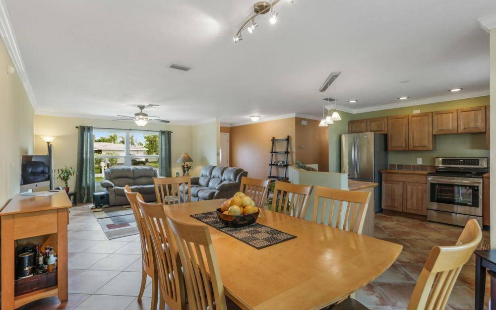 142 Willoughby Dr, Naples - House For Sale 2142437203