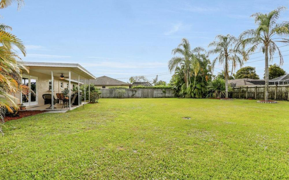 142 Willoughby Dr, Naples - House For Sale 541657203