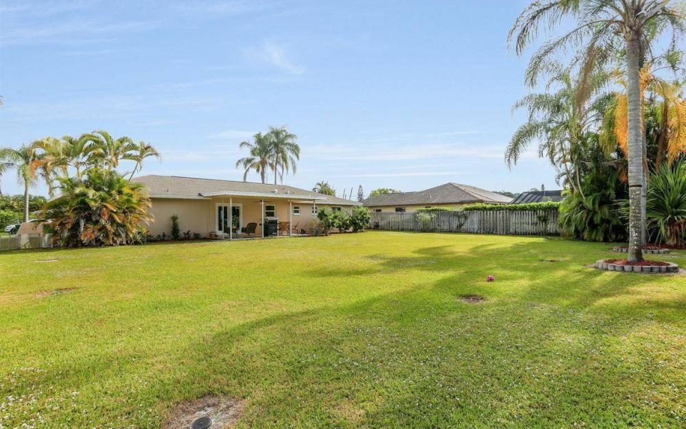 142 Willoughby Dr, Naples - House For Sale 1325044551