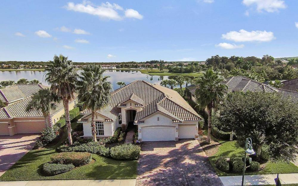 12079 Wicklow Ln, Naples - House For Sale 2114595821