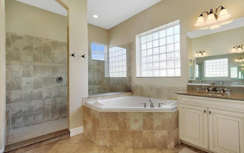 12079 Wicklow Ln, Naples - House For Sale 218557622