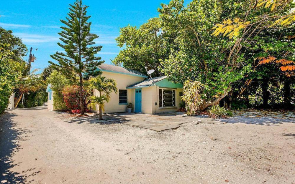 16177, 16179, 16181 Captiva Dr, Captiva - House For Sale 484379663