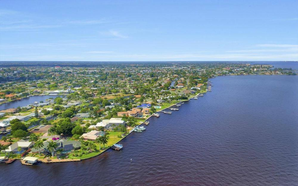 1214 El Dorado Pkwy E, Cape Coral - House For Sale 792397439