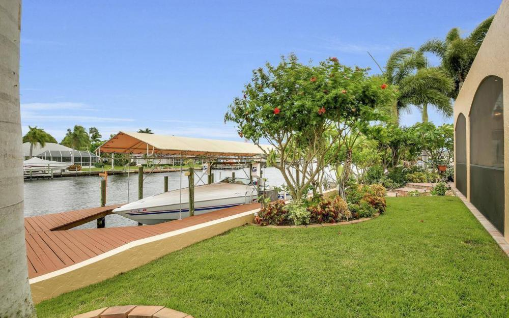 1943 SE 32nd Ter, Cape Coral - House For Sale 1034110362