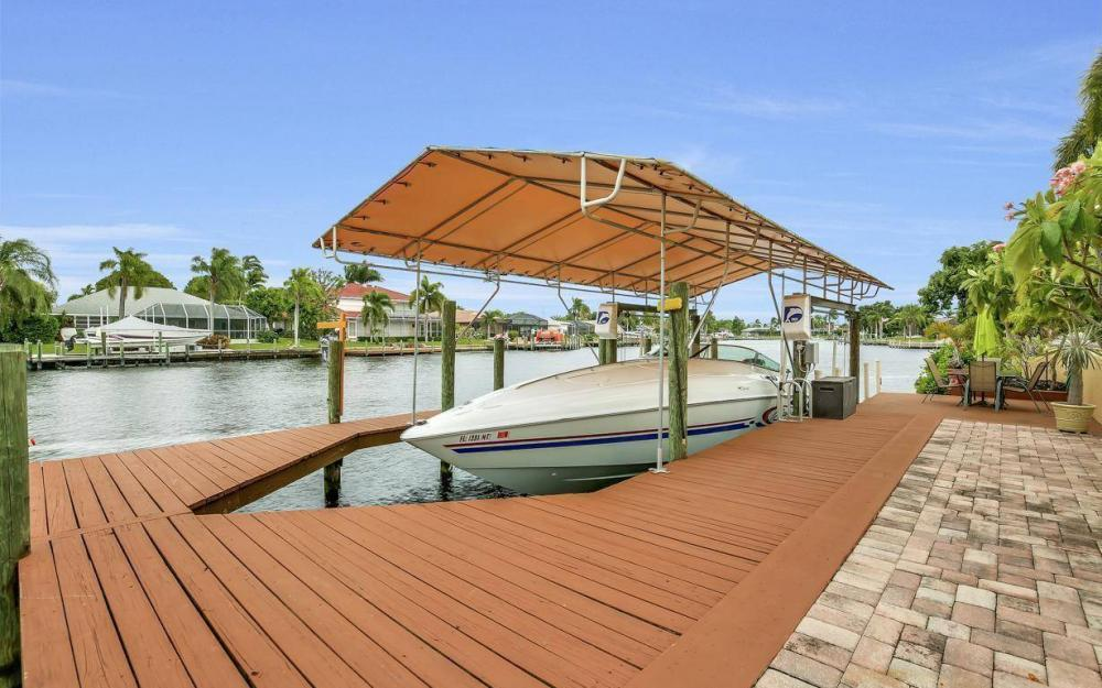 1943 SE 32nd Ter, Cape Coral - House For Sale 1285941716