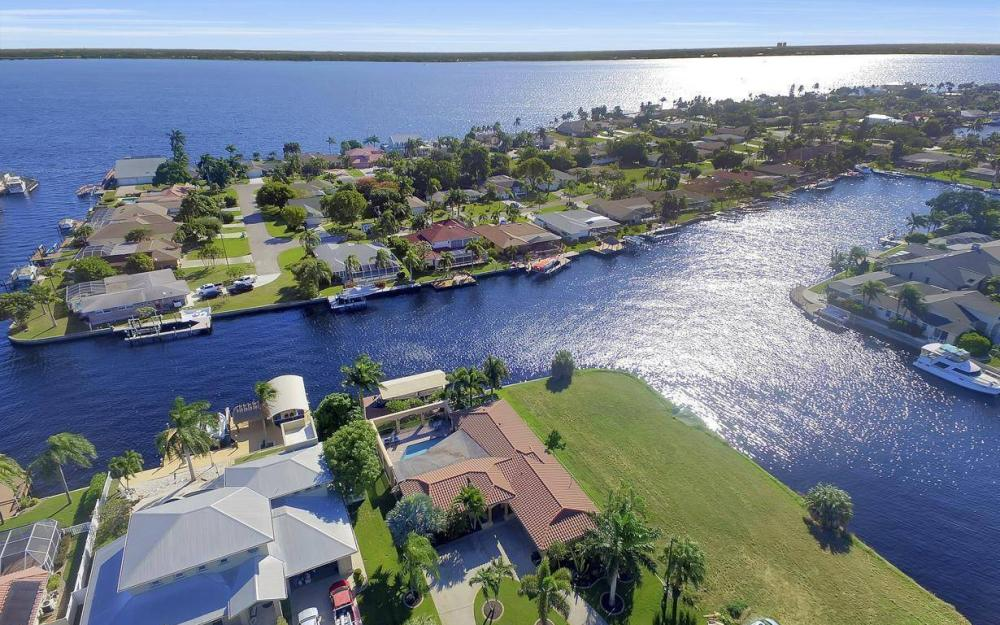 1943 SE 32nd Ter, Cape Coral - House For Sale 1240830698