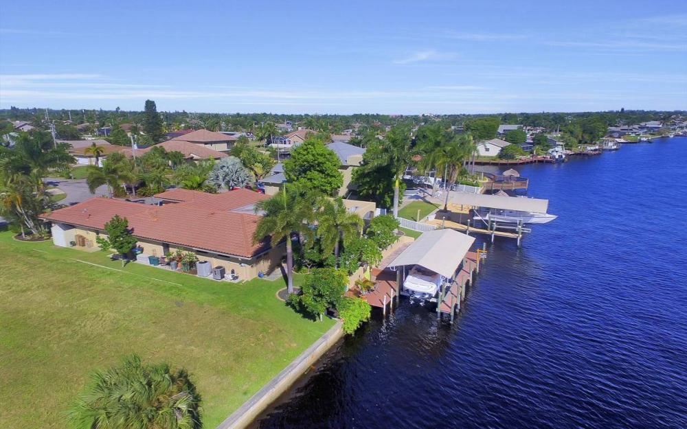 1943 SE 32nd Ter, Cape Coral - House For Sale 603503275