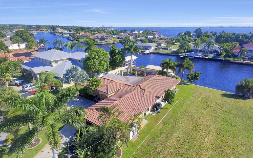 1943 SE 32nd Ter, Cape Coral - House For Sale 1782289745