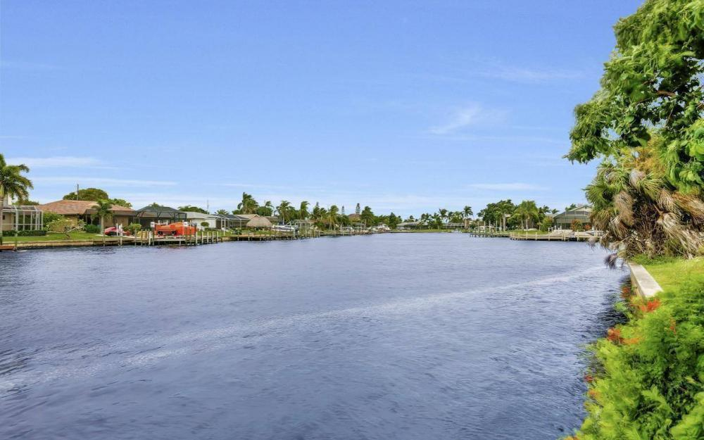 1943 SE 32nd Ter, Cape Coral - House For Sale 2136466575