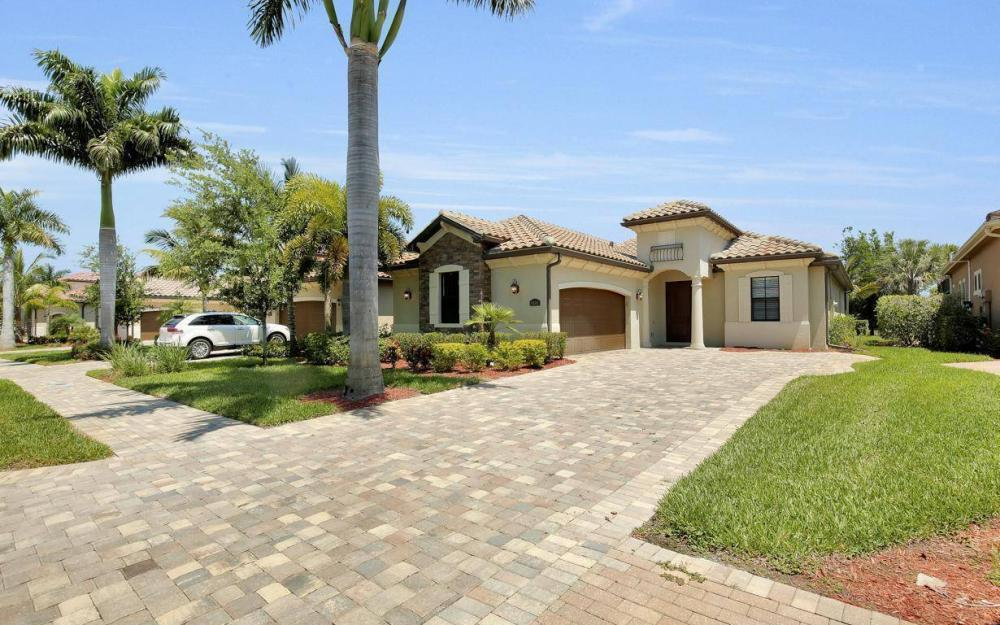 9210 Veneto Ln, Naples - House For Sale 819882529