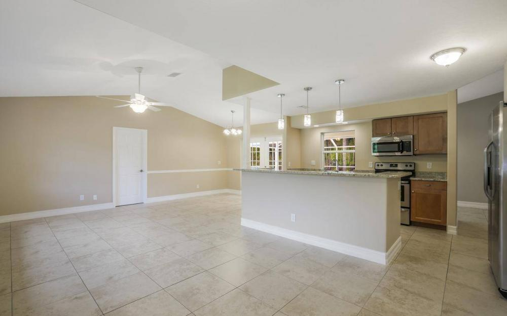 22551 Fountain Lakes Blvd, Estero - House For Sale 1095557269