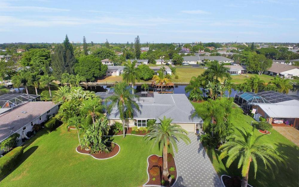 1408 Venetian Ct, Cape Coral - House For Sale 31180162
