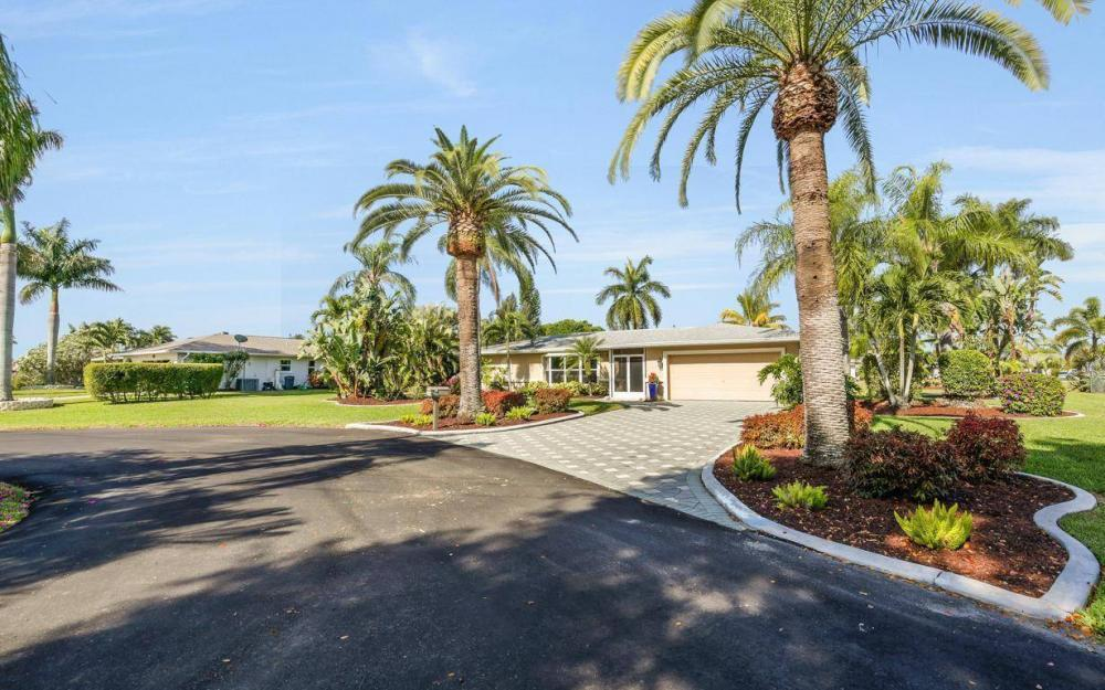 1408 Venetian Ct, Cape Coral - House For Sale 1650115596