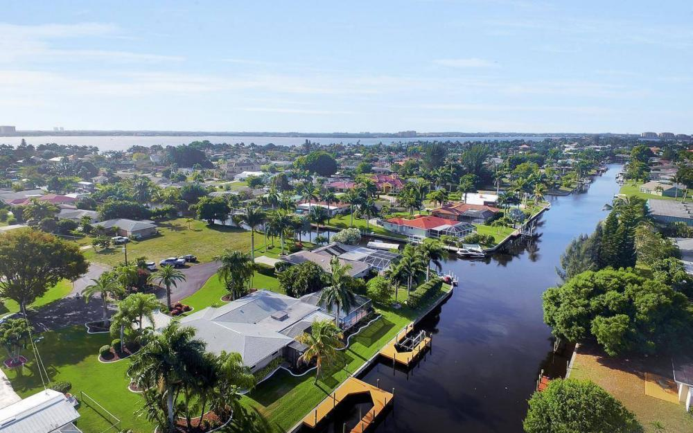 1408 Venetian Ct, Cape Coral - House For Sale 1328659870