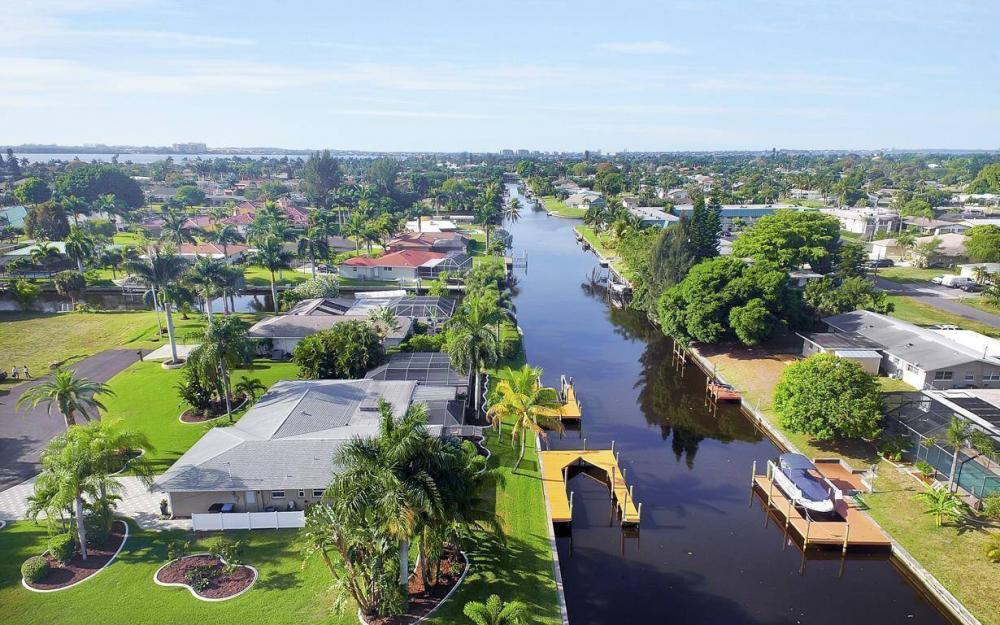 1408 Venetian Ct, Cape Coral - House For Sale 1287499571