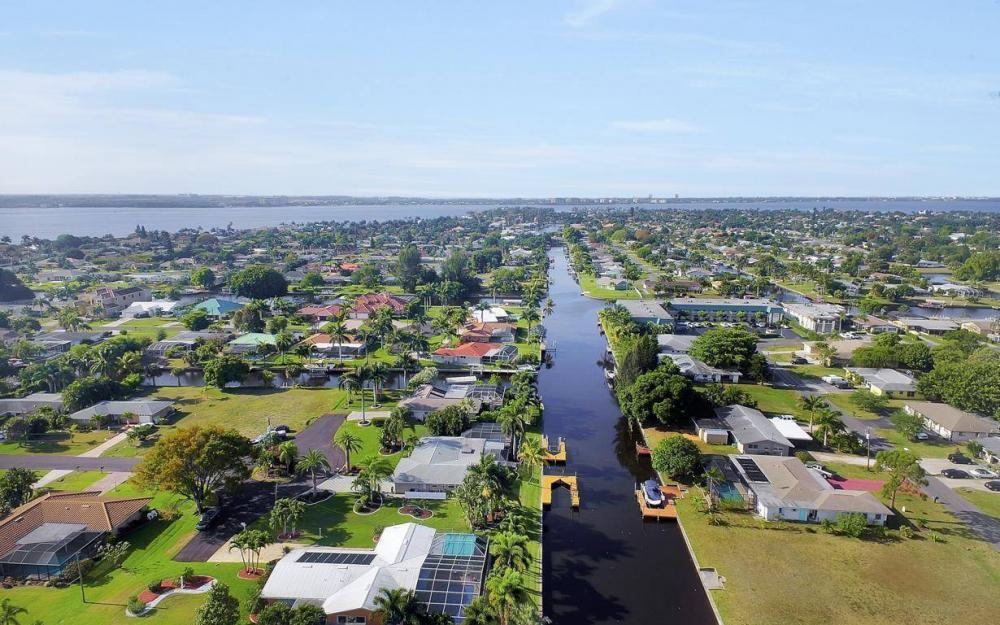 1408 Venetian Ct, Cape Coral - House For Sale 1865567664