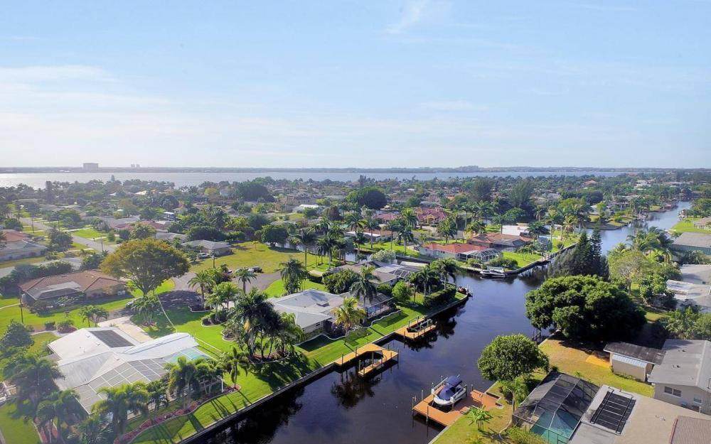 1408 Venetian Ct, Cape Coral - House For Sale 189123485