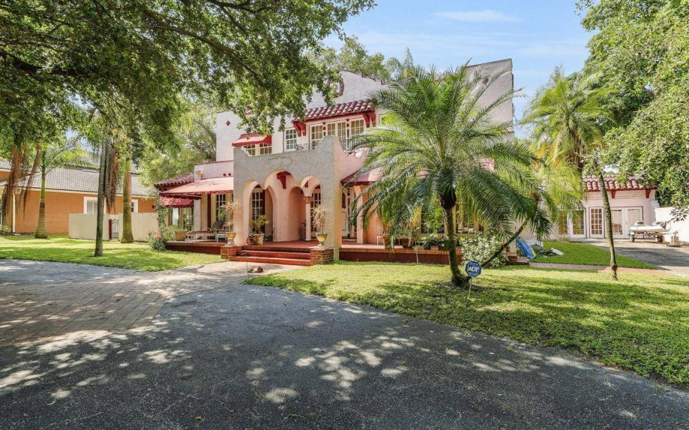 1386 Gasparilla Dr, Fort Myers, - House For Sale 206667947
