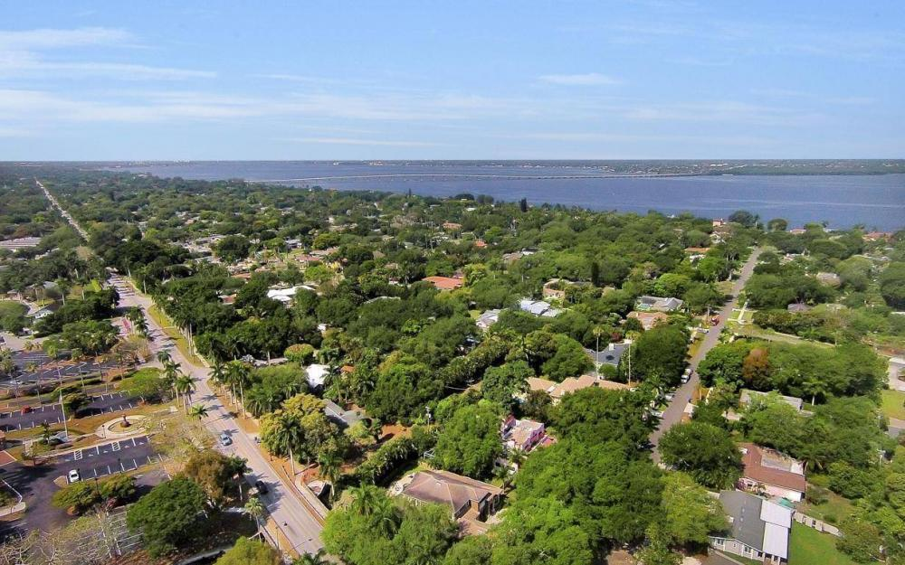 1386 Gasparilla Dr, Fort Myers, - House For Sale 1286256008