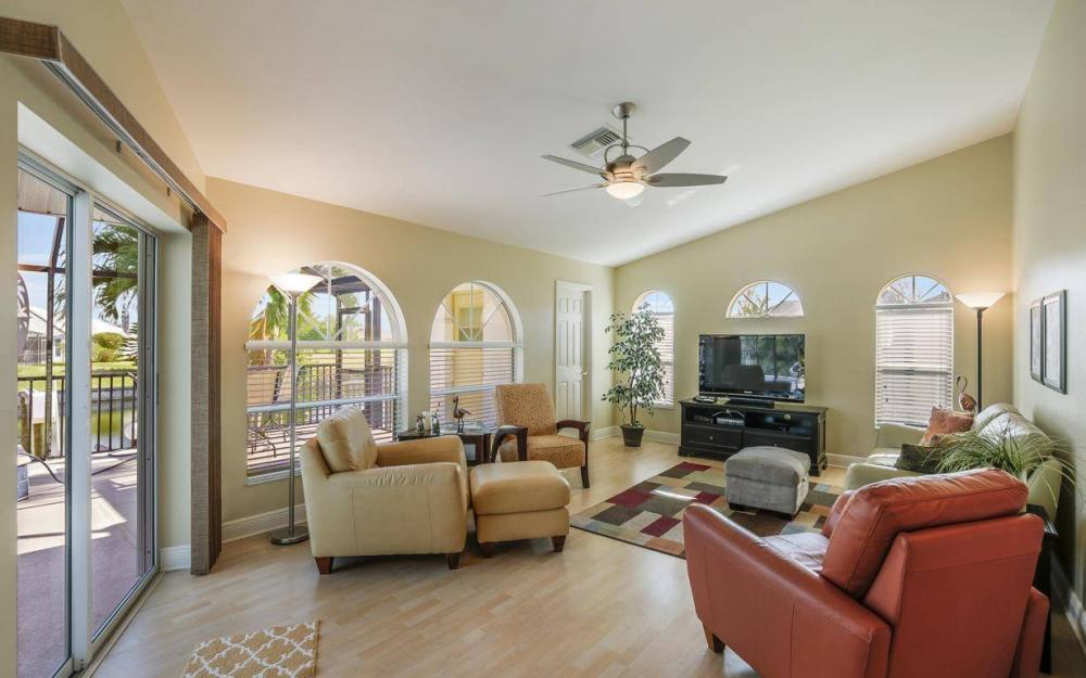 2615 SW 35th Ln, Cape Coral - House For Sale 354222605
