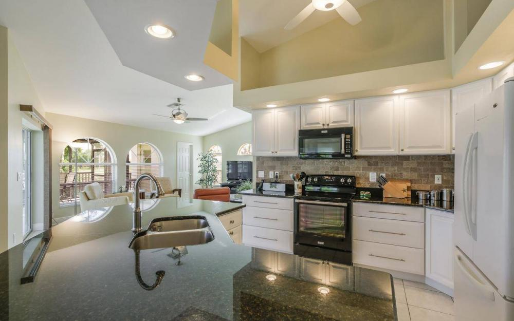 2615 SW 35th Ln, Cape Coral - House For Sale 2063521750