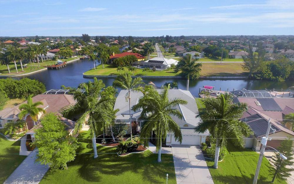2615 SW 35th Ln, Cape Coral - House For Sale 1597873097