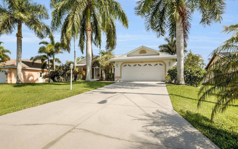 2615 SW 35th Ln, Cape Coral - House For Sale 221512080