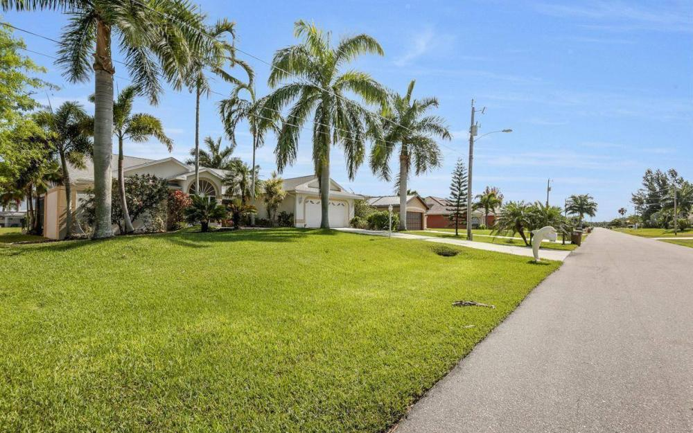 2615 SW 35th Ln, Cape Coral - House For Sale 1320703843