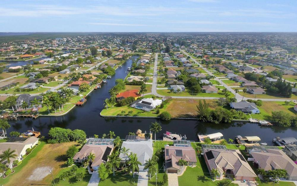 2615 SW 35th Ln, Cape Coral - House For Sale 1373621663