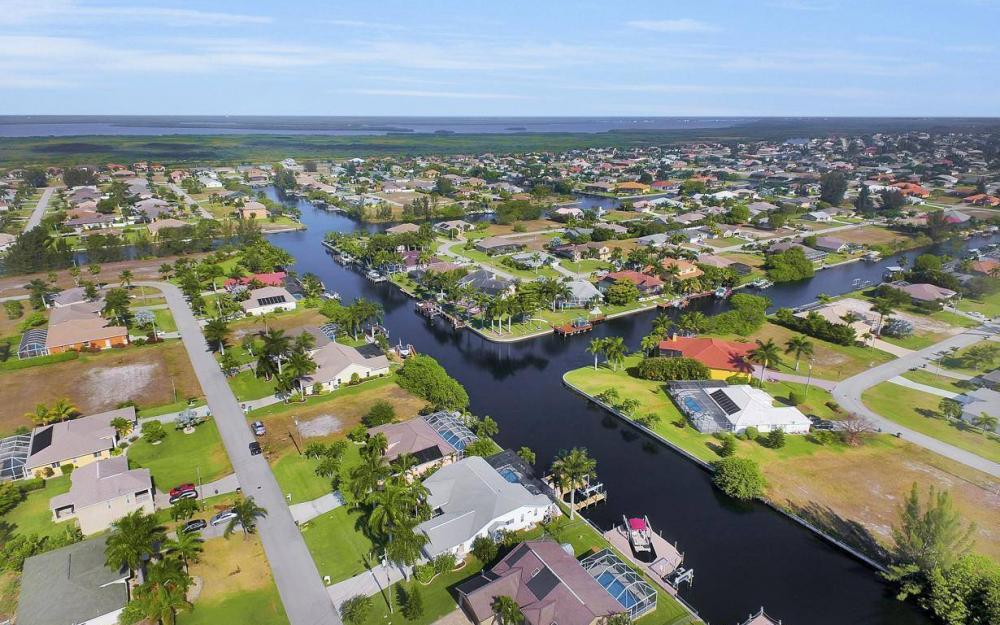 2615 SW 35th Ln, Cape Coral - House For Sale 472979871