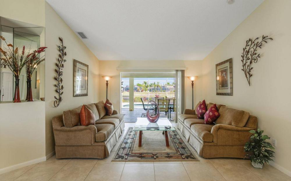1315 SE 32nd Ter,  Cape Coral - House For Sale 471470154