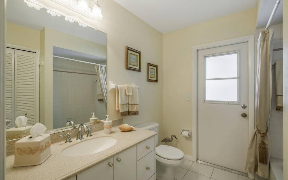 1315 SE 32nd Ter,  Cape Coral - House For Sale 778085315