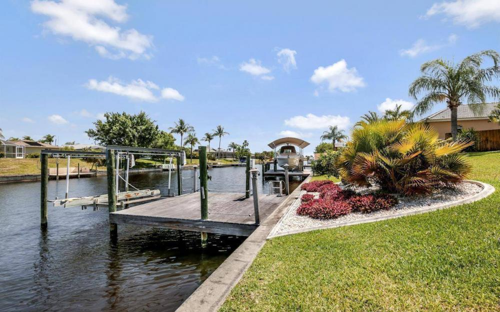 1315 SE 32nd Ter,  Cape Coral - House For Sale 1155106827