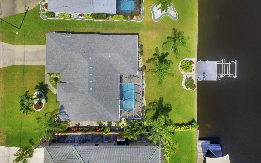1315 SE 32nd Ter,  Cape Coral - House For Sale 1958236209