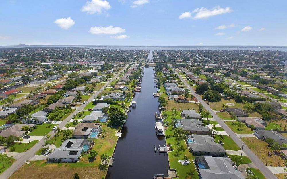 1315 SE 32nd Ter,  Cape Coral - House For Sale 1439067140