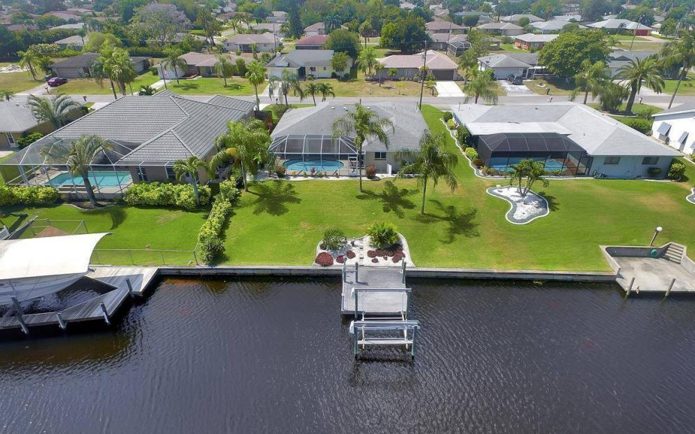 1315 SE 32nd Ter,  Cape Coral - House For Sale 369532839