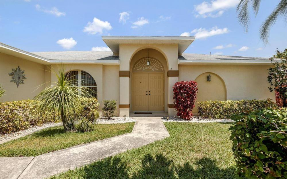 1315 SE 32nd Ter,  Cape Coral - House For Sale 1022916837