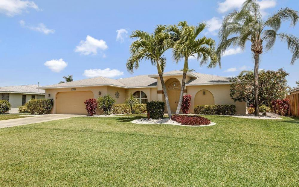 1315 SE 32nd Ter,  Cape Coral - House For Sale 770349333