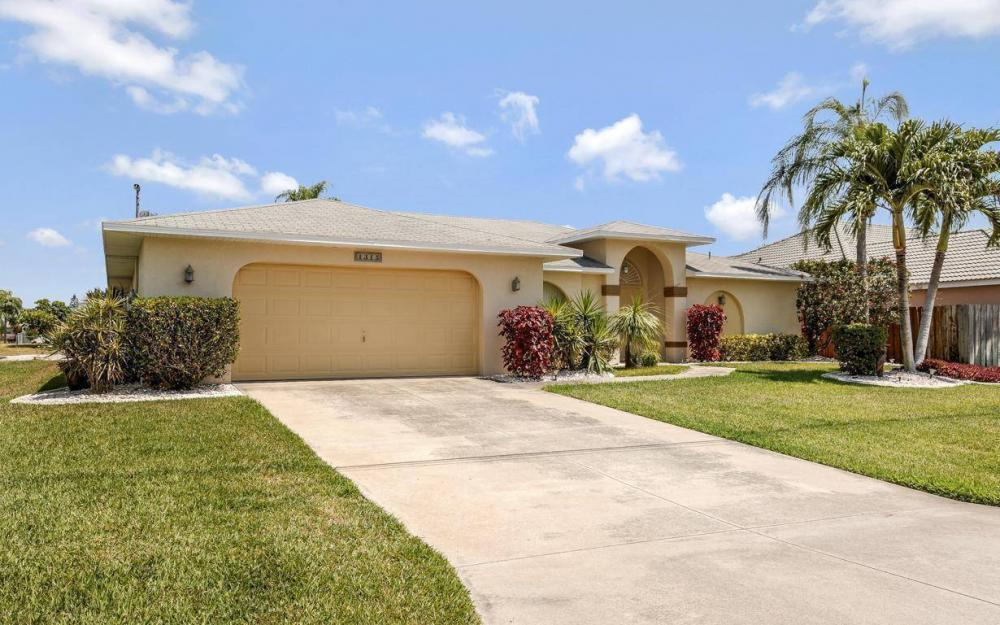 1315 SE 32nd Ter,  Cape Coral - House For Sale 1592329122