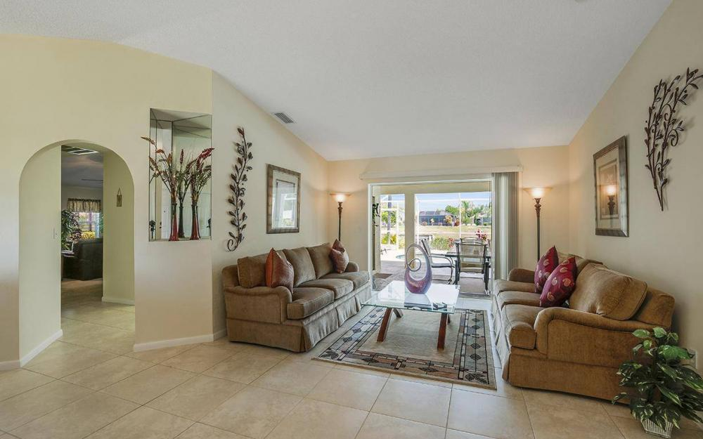 1315 SE 32nd Ter,  Cape Coral - House For Sale 1781330775