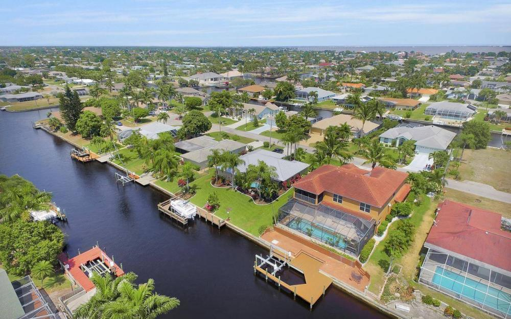 3328 SE 17th Pl, Cape Coral - House For Sale 720982574
