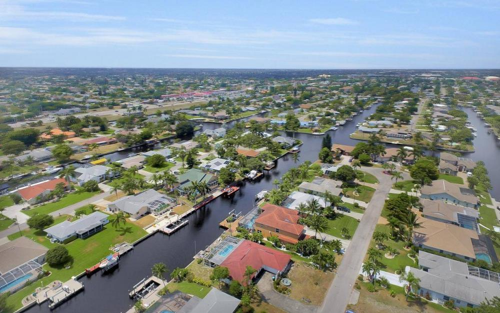 3328 SE 17th Pl, Cape Coral - House For Sale 1861888361